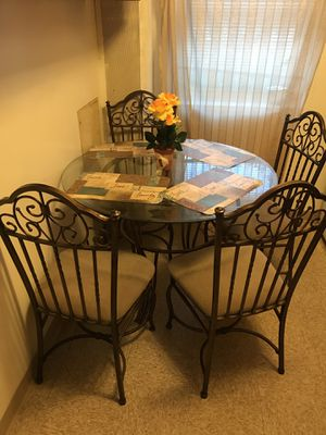 4 PIECE BEAUTIFUL DETAILED TABLE $500 OBO for Sale in Pittsburgh, PA