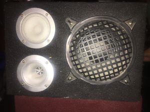 Subwoofer in box for Sale in Las Vegas, NV