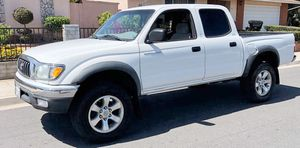 CLEAN TITLE GOOD OFFER KEYLESS TOYOTA TACOMA 2003 for Sale in Rochester, NY