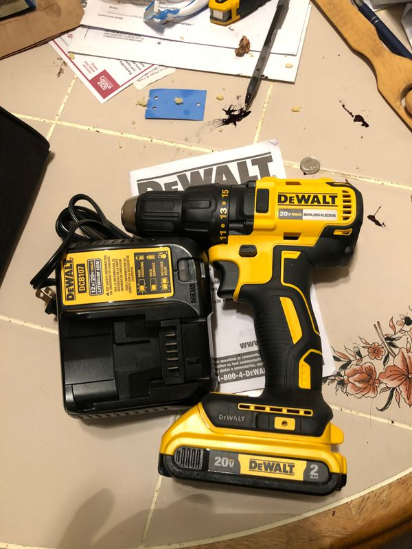 Drill Dewalt. Atomic. Whit. One. Battery. 2ah. And. Charger. Brand. New.