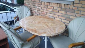 Kitchen table w/4 swivel chairs for Sale in North Olmsted, OH