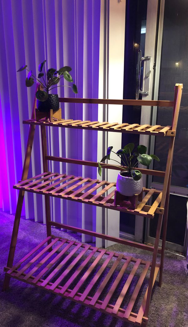 Plant stand / shelf