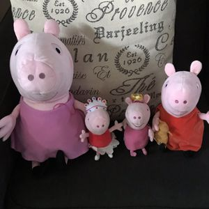 Peppa pig stuffed animals for Sale in Tomball, TX