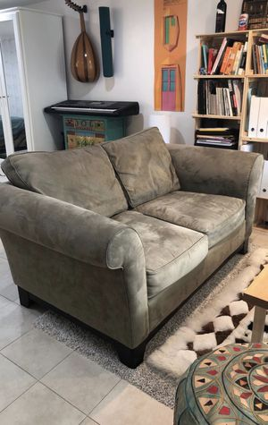 Free Loveseat Sofa for Sale in New York, NY