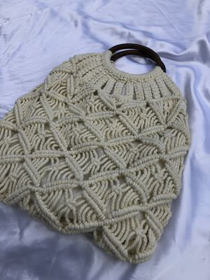 (Like-New) knitted purse for Sale in Marrero, LA