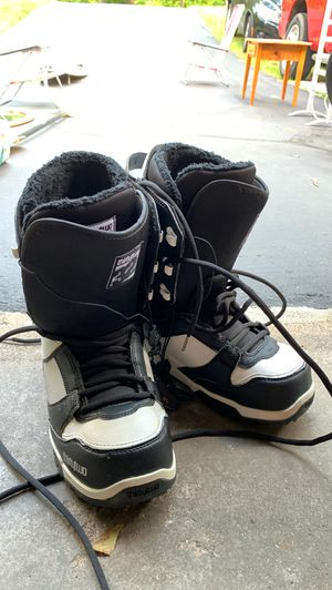 Sz 9M Snowboard Boots for Sale in West Hartford, CT
