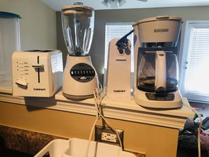 Toaster, coffee maker, open can, blender for Sale in Thomasville, NC