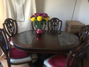 Kitchen Table PLUS chairs GOOD CONDITION! for Sale in San Jose, CA
