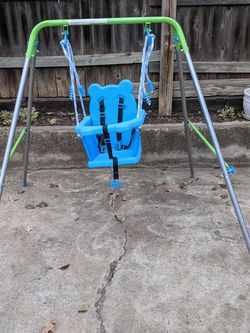 Swing for baby-toddler for Sale in Arlington,  TX