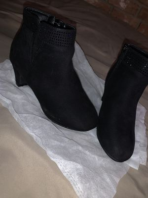 Little girls boots size:1 for Sale in Houston, TX