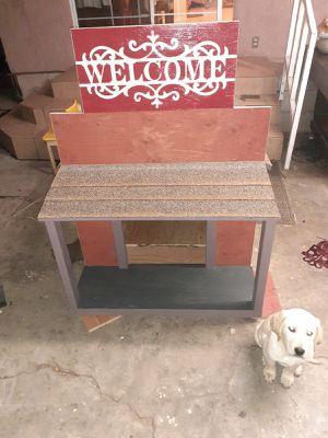 Dog house/ casa de perro for Sale in Long Beach, CA