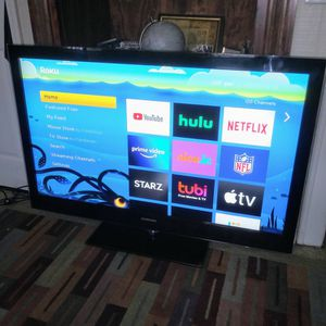 52 INCH LED HD 1080P TV WITH A ROKU STICK..BY SAMSUNG for Sale in Center Line, MI