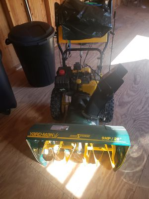 Yard-Mam 9Hp 28' Snow Blower for Sale in Berlin, NJ