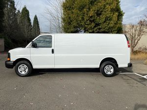 2011 Chevrolet express 3/4 ton EXTENDED LOW MILES for Sale in Oregon City, OR