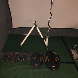 155 Lbs, Rack and Olympic Curl Bar. for Sale in Jurupa Valley,  CA