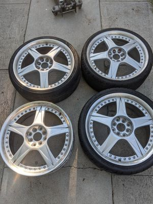 18 inches rim 4 lugs for Sale in Los Angeles, CA