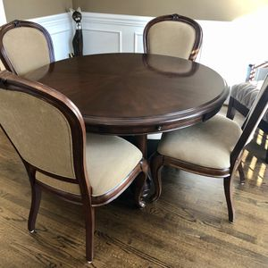 Dining room set for Sale in Wake Forest, NC