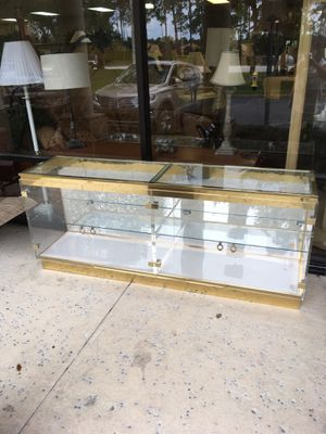 Lighted Glass Showcase DELIVERY AVAILABLE 🚗 for Sale in Bonita Springs, FL