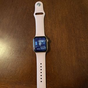 Apple Watch Series 5 for Sale in Charleston, SC