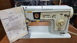 Singer 478 Vintage Sewing Machine 1969 for Sale in Margate, FL