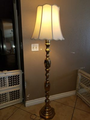 Vintage looking lamp. for Sale in Moreno Valley, CA