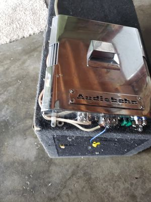 Amp and subwoofer for Sale in Portland, OR