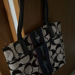 Medium Size, Coach Bag for Sale in Derry, NH