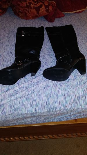 High knee black boots leather for Sale in Towson, MD