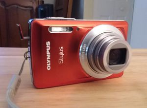 EXCELLENT Olympus stylus 14mp digital camera w/acc for Sale in Delray Beach, FL