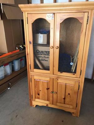Small pet condo and small animal cage. for Sale in Poulsbo, WA