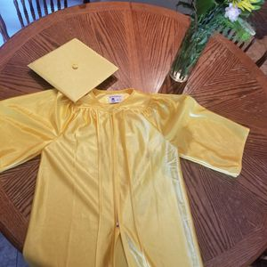Graduation cap and gown for Sale in San Tan Valley, AZ