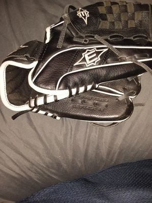 2 baseball gloves for Sale in Saint Helens, OR