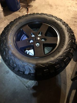 """Jeep jk wheels and 31"""" bfg ko2 tires for Sale in Newport Beach, CA"""