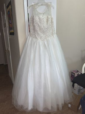 Wedding dress with pearls!! for Sale in Weslaco, TX