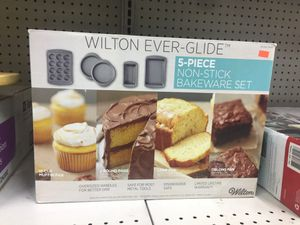 Wilton Ever-Glide 5 Piece Non-Stick Bakeware Set for Sale in Rosemead, CA