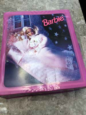 Barbie carry case with clothes and accessories pop out bed see pics. for Sale in Elgin, IL