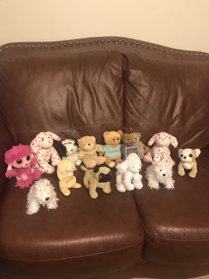 "$5 Valentine Stuffed Animals To Give For Valentine's Day. Choose Yours They Are All 6"" long at least. All are Brand Ty , Ganz, boyd, cherished tedd for Sale in Murfreesboro, TN"