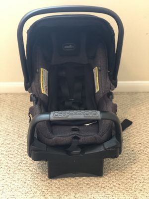 Evenflo infant car seat for Sale in Katy, TX