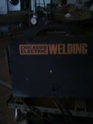 Chicago electric Welder for Sale in Reedley, CA