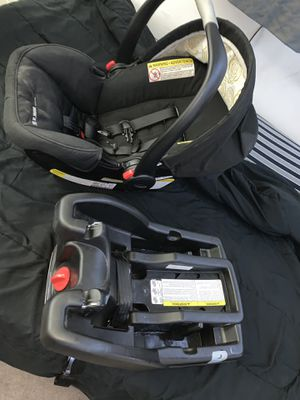 Car seat (SNUGRIDE35) for Sale in Palos Verdes Estates, CA