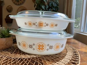 Vintage Pyrex Town & Country Baking Set for Sale in Issaquah, WA