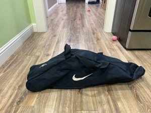 Nike baseball/softball bag for Sale in Fresno, CA