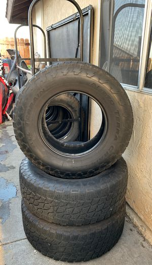 285/70/17 tires for Sale in San Diego, CA