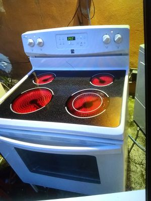 Kenmore stove like New for Sale in LAKE CLARKE, FL