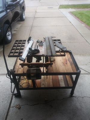 Saw table for Sale in Warren, MI