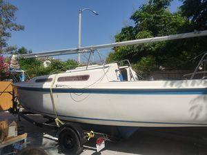1983 Macgregor Trailerable Sailboat for Sale in Alta Loma, CA