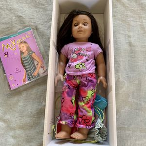 Adorable Brunette American Girl Doll w/ Accessories for Sale in Simi Valley, CA