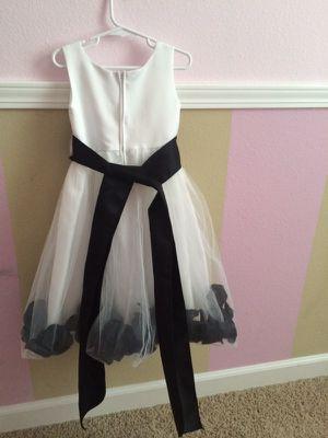 Flower girl dress for Sale in Fresno, CA