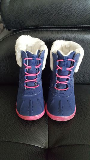 CARTER'S Girl toddler winter comfy boots Size 8 like NEW for Sale in Broken Arrow, OK