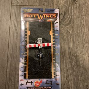 Hot Wings Collectible Plane NEW for Sale in Plant City, FL